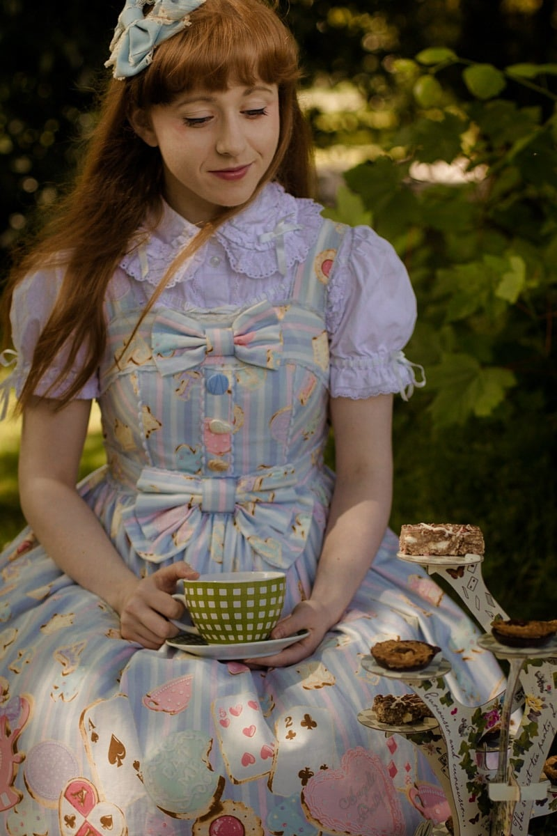 alice in wonderland tea party photoshoot