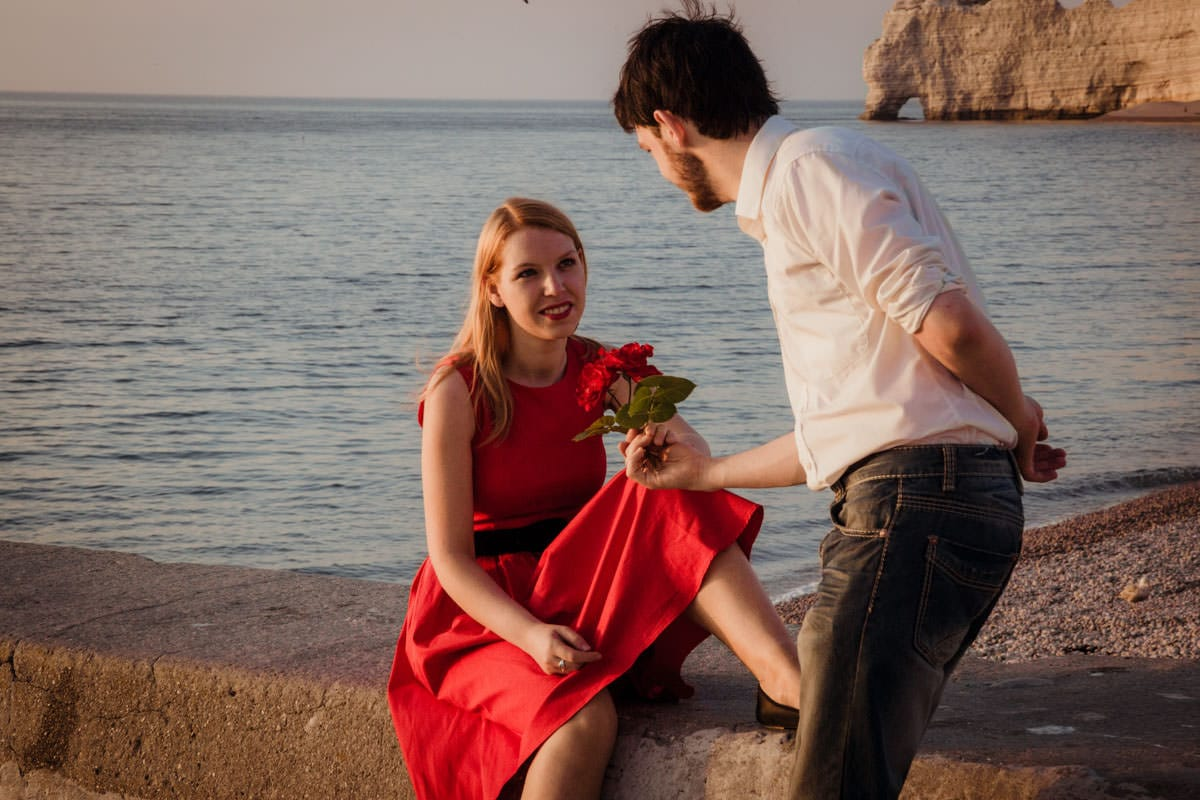 Engagement shoot France Etretat