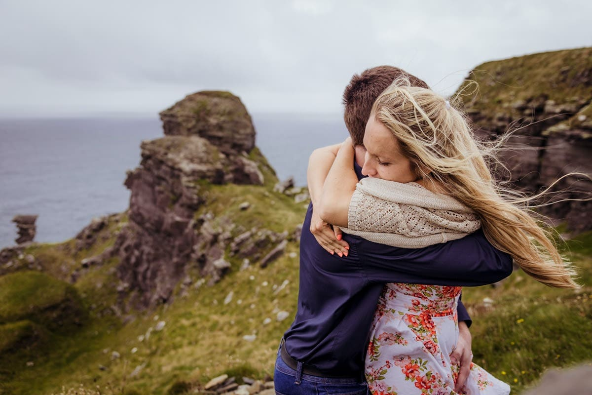 couple photography west of ireland cliffs of moher