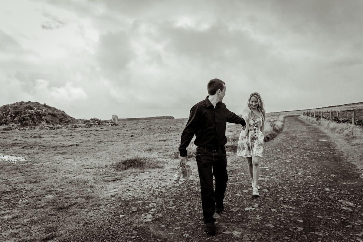 couple photoshoot in ireland wild landscapes