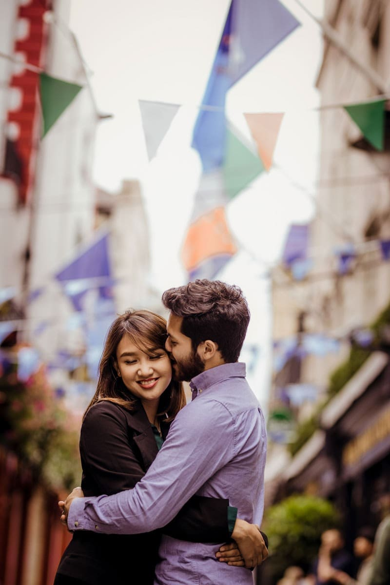 engagement photographer in dublin temple bar