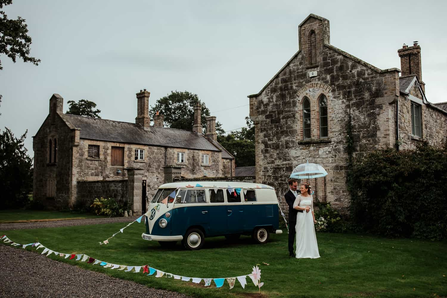 rainy wedding at martinstown house