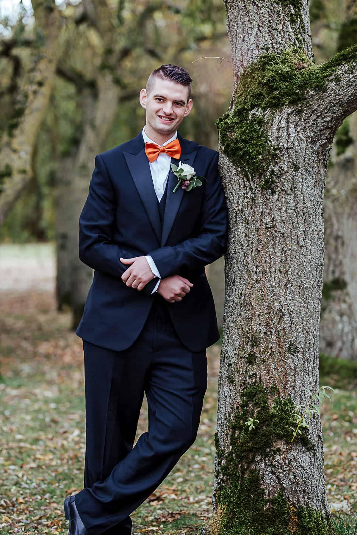 portrait of the groom fall wedding ideas
