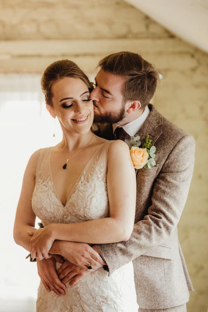 intimate wedding ideas warm wedding tones