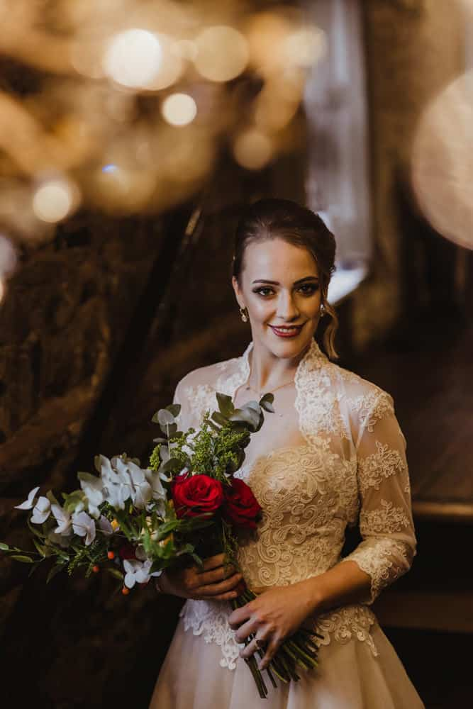 whimsical bridal look for a fall wedding