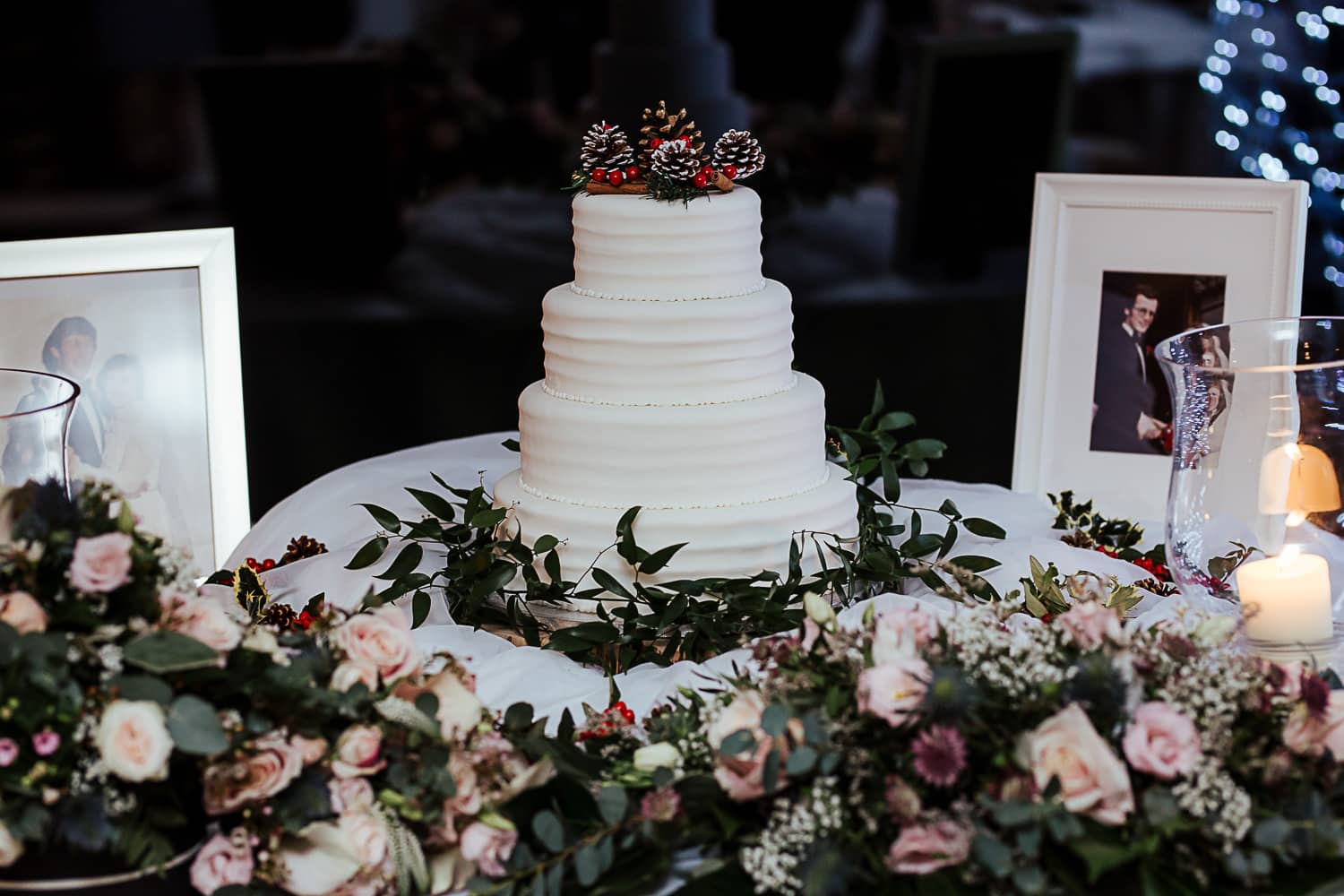 white winter wedding cake inspiration