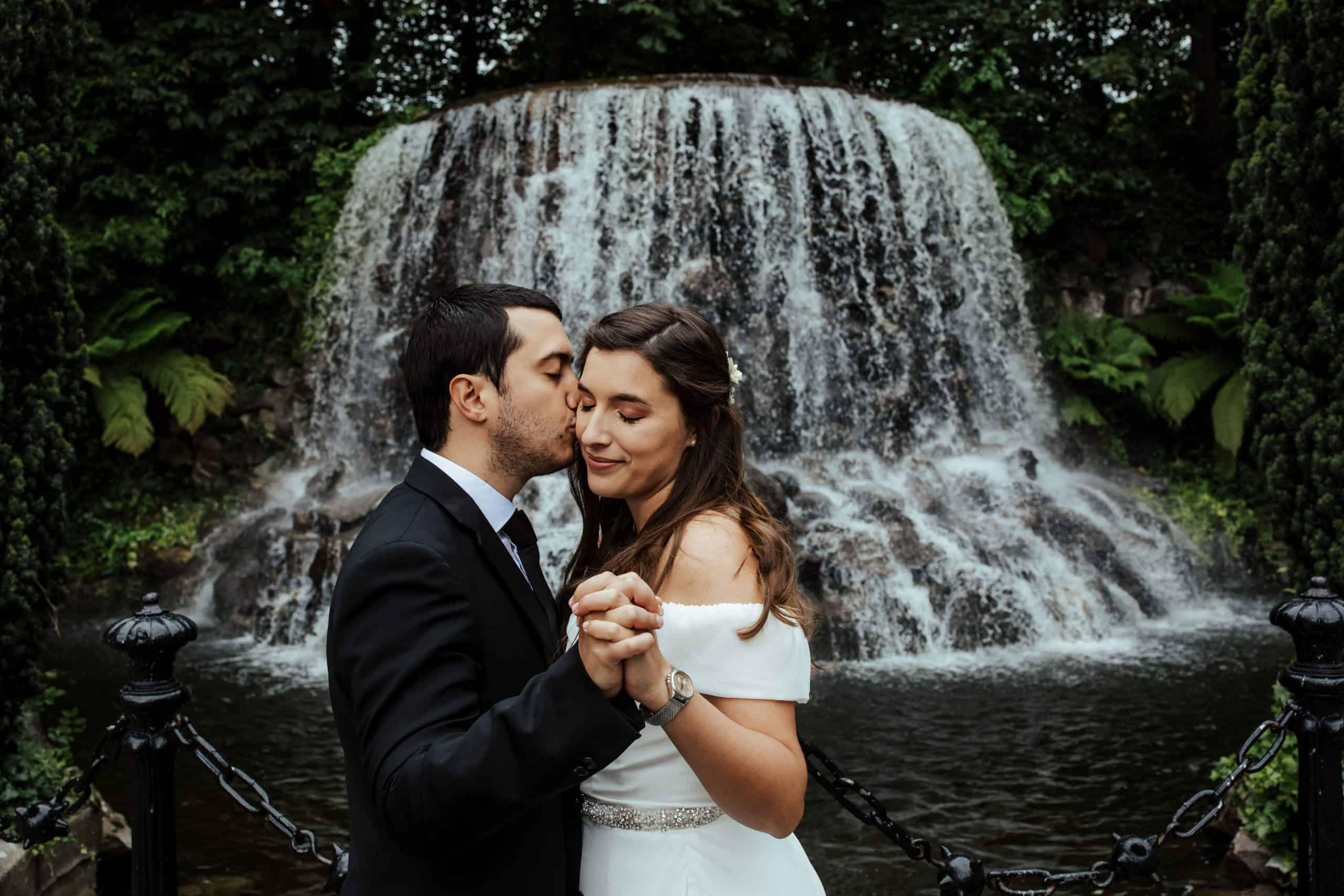 wedding photos at iveagh gardens dublin