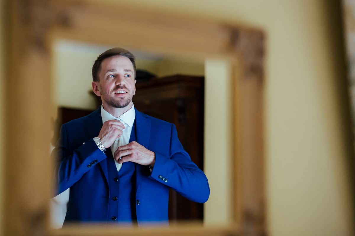 groom getting ready for his wedding at rathsallagh house