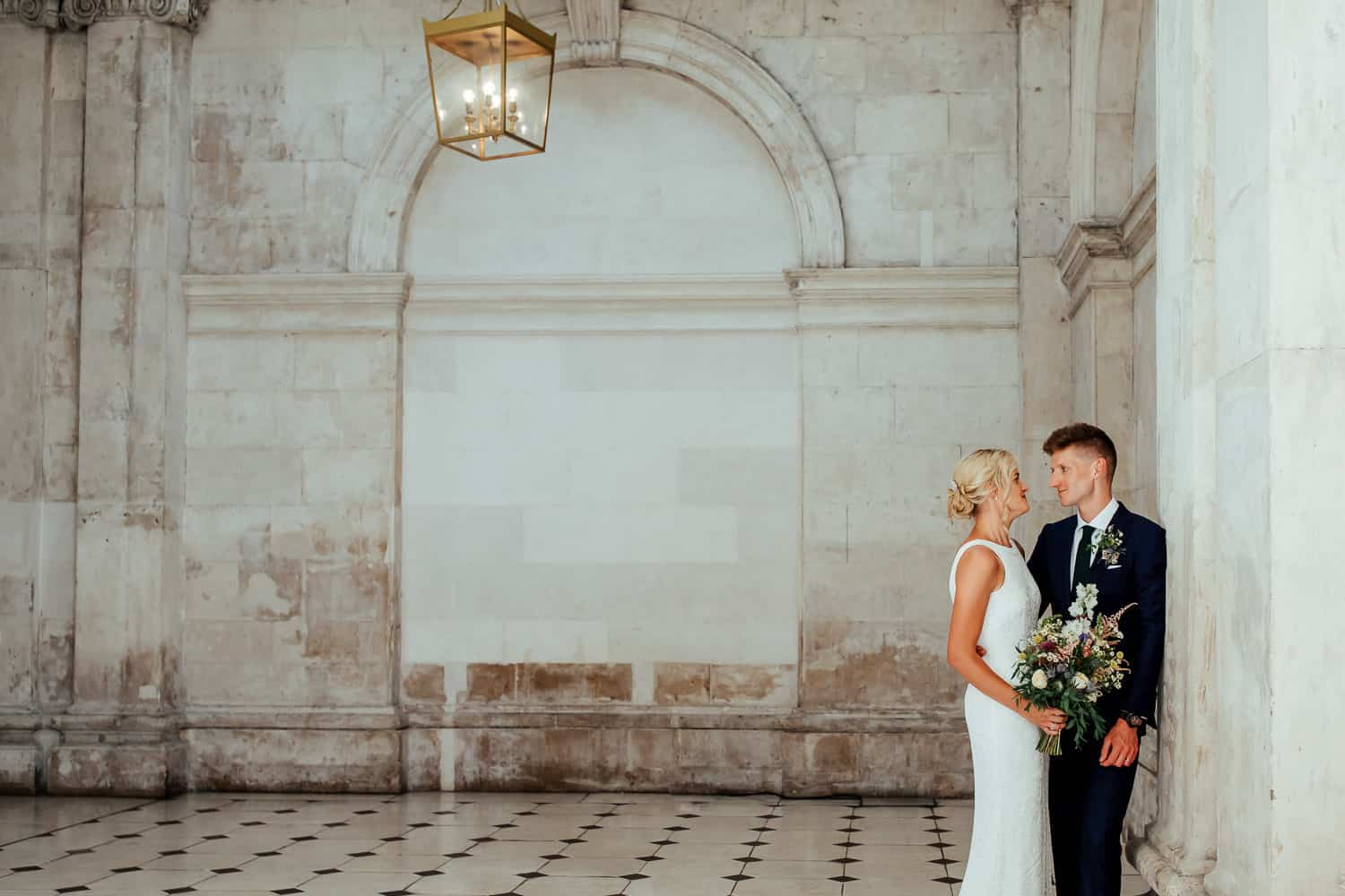 wedding couple in dublin city hall