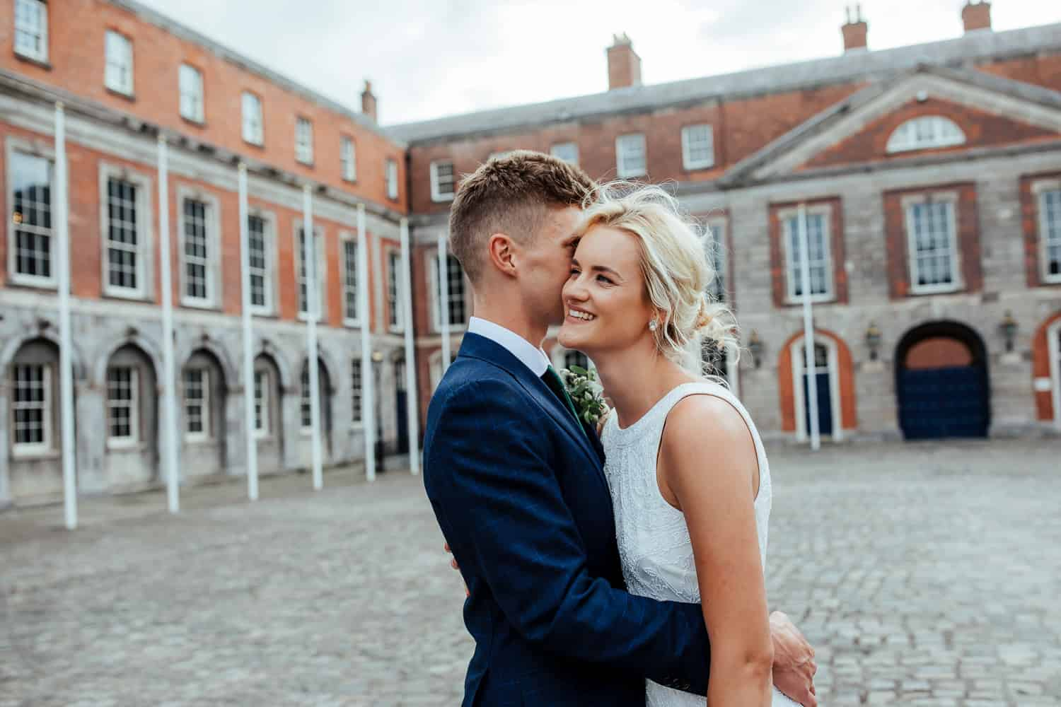 wedding couple in dublin castle dublin city wedding