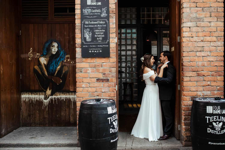 wedding photos temple bar dublin